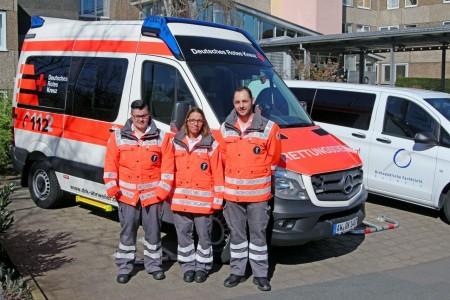 Frau Adriana Trelles-Vasquez, Frau Rebekka Paetz, Herr Dennis Lenzen haben die Ausbildung zum Sanitäter beim DRK erfolgreich abgeschlossen.